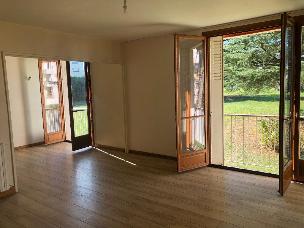 Appartement à louer 4 83m2 à Talence vignette-1