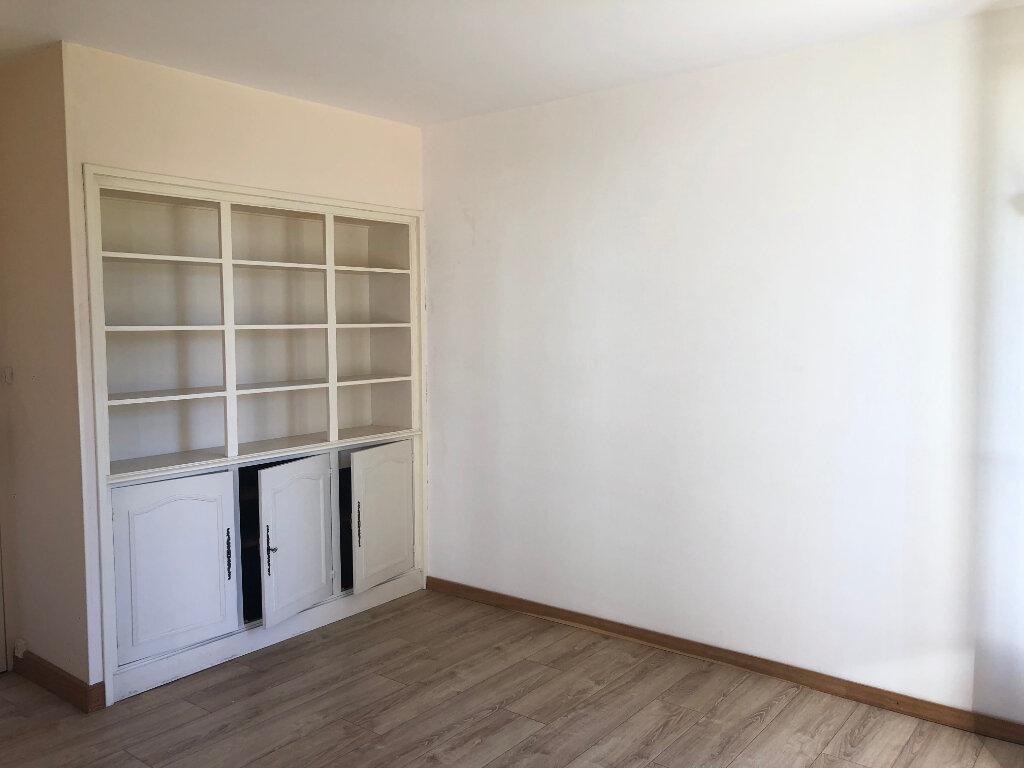 Appartement à louer 4 83m2 à Talence vignette-2
