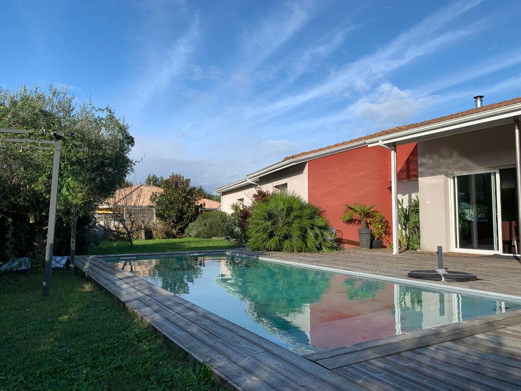 Maison à vendre 5 125m2 à Cestas vignette-8