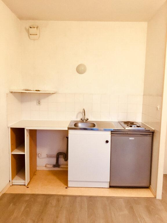 Appartement à louer 1 22m2 à Gradignan vignette-2