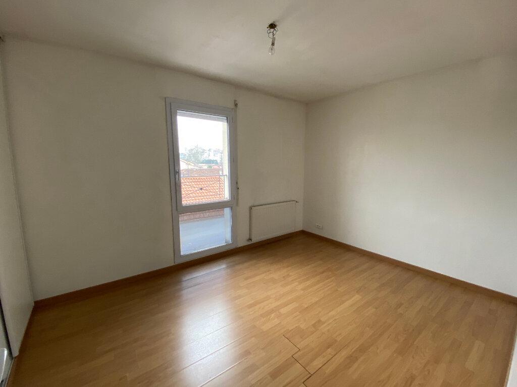 Appartement à louer 3 54m2 à Talence vignette-3