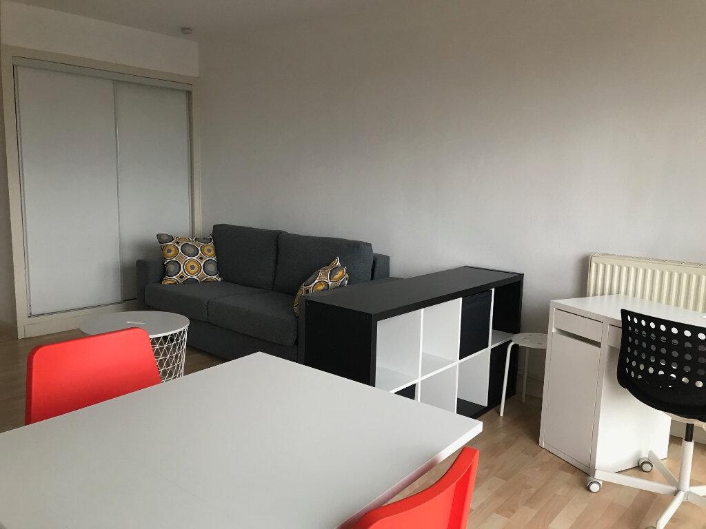 Appartement à louer 1 24m2 à Talence vignette-2