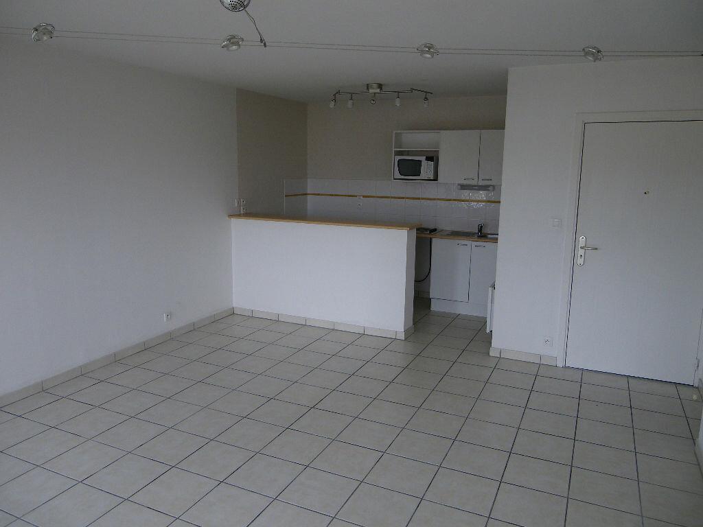Appartement à louer 3 54.23m2 à Toulouse vignette-2
