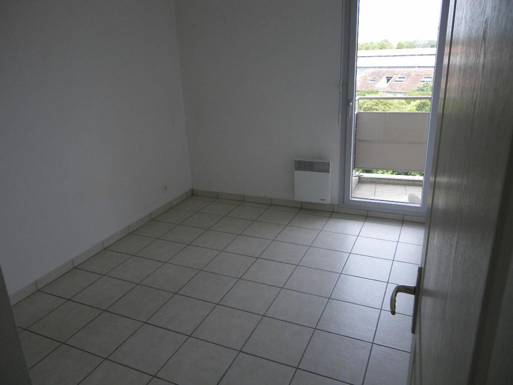 Appartement à louer 3 54.23m2 à Toulouse vignette-4