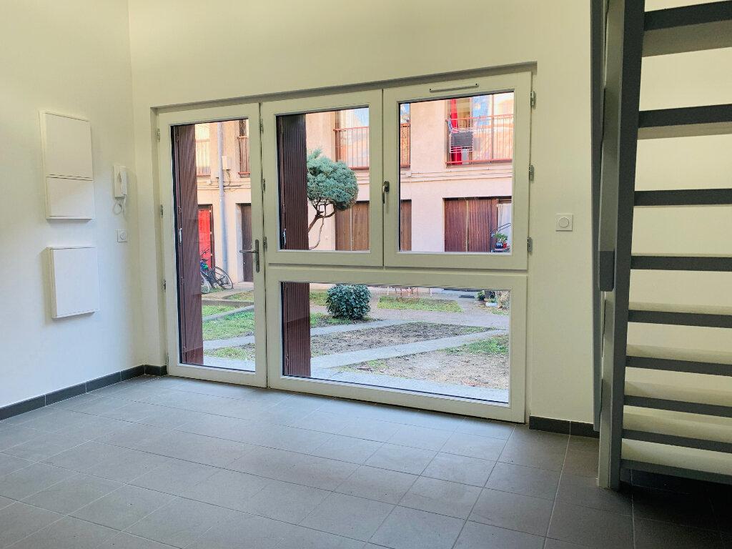 Appartement à louer 2 30.8m2 à Toulouse vignette-2