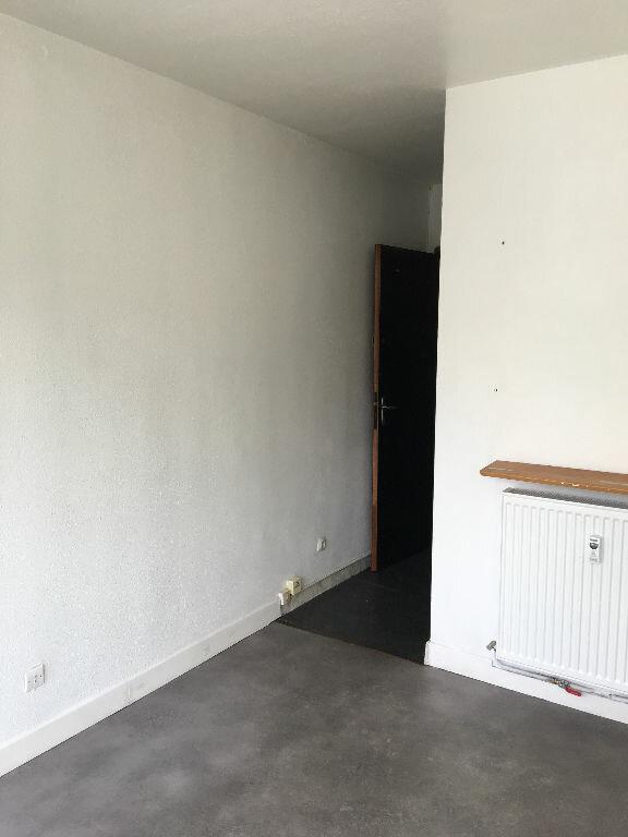 Appartement à louer 1 14.6m2 à Toulouse vignette-4