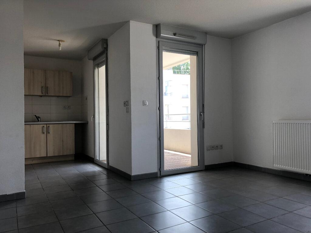 Appartement à louer 3 68.8m2 à Toulouse vignette-2