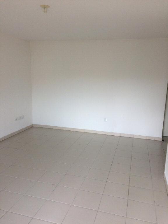 Appartement à louer 3 61.7m2 à Toulouse vignette-3