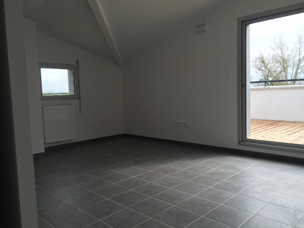 Appartement à louer 4 82.93m2 à Toulouse vignette-3