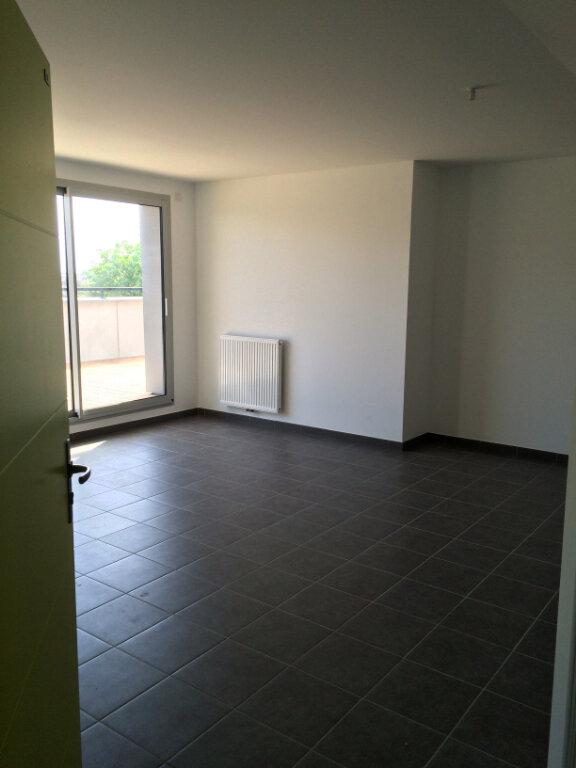 Appartement à louer 4 82.93m2 à Toulouse vignette-4