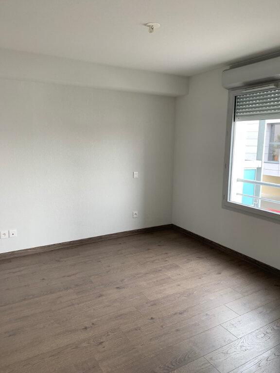 Appartement à louer 3 61.49m2 à Toulouse vignette-2
