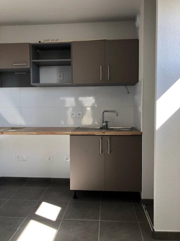 Appartement à louer 2 44.3m2 à Colomiers vignette-2