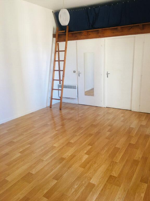 Appartement à louer 1 30m2 à Toulouse vignette-1