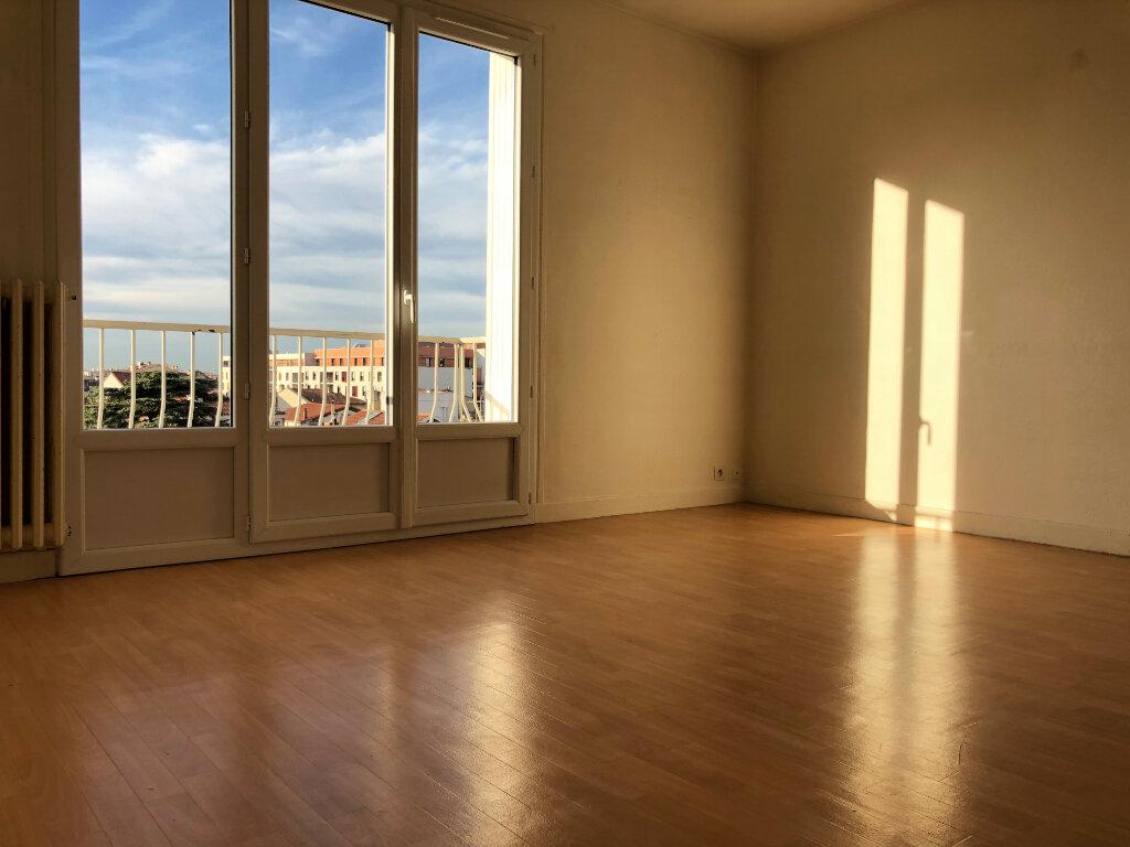 Appartement à louer 3 61.67m2 à Toulouse vignette-1