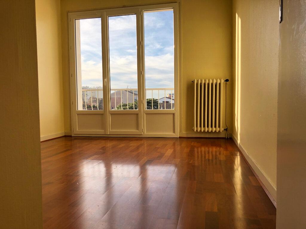 Appartement à louer 3 61.67m2 à Toulouse vignette-3