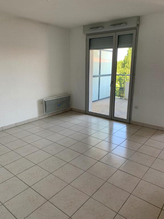 Appartement à louer 3 58.22m2 à Beauzelle vignette-2