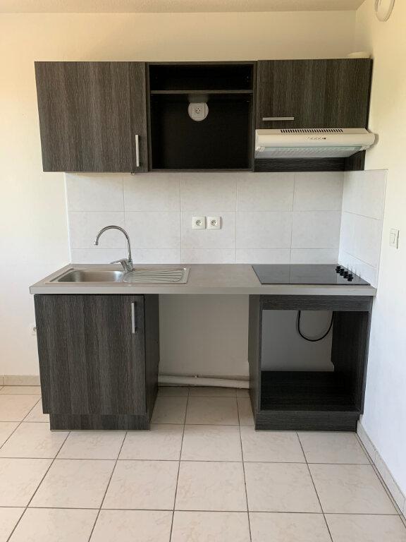 Appartement à louer 3 58.22m2 à Beauzelle vignette-3