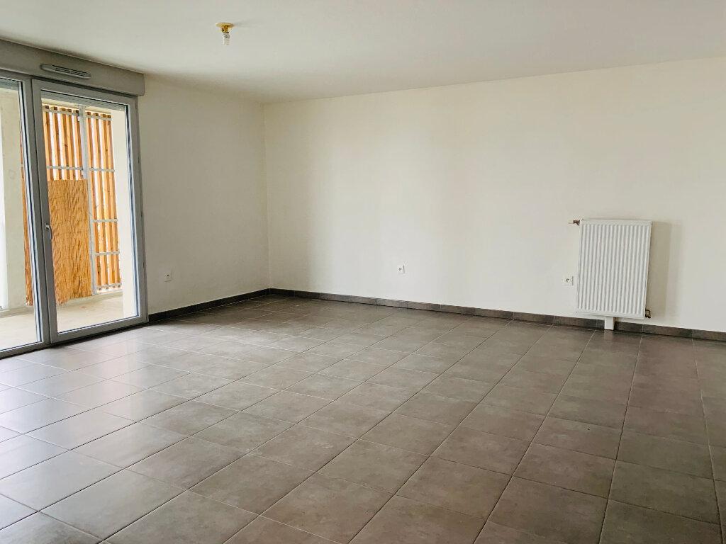 Appartement à louer 3 65.1m2 à Tournefeuille vignette-2