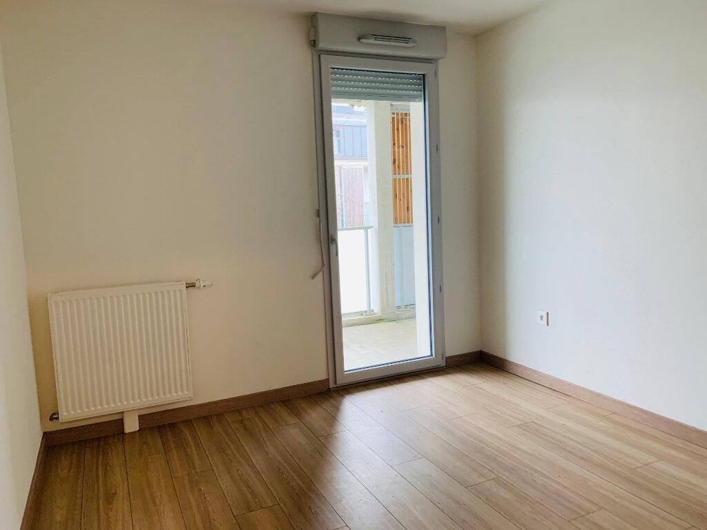 Appartement à louer 3 65.1m2 à Tournefeuille vignette-3