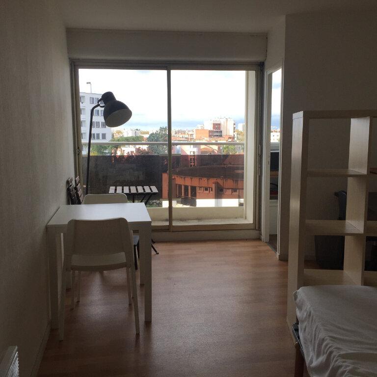 Appartement à louer 1 28m2 à Toulouse vignette-2