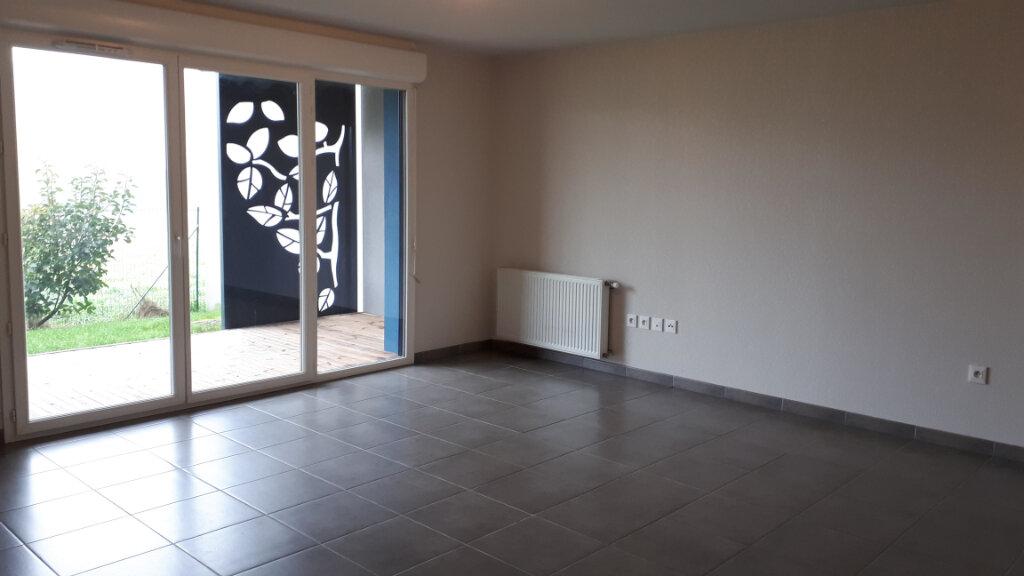 Appartement à louer 3 68.5m2 à Seysses vignette-1