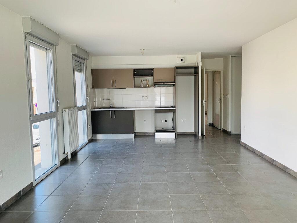 Appartement à louer 3 66.8m2 à Tournefeuille vignette-1