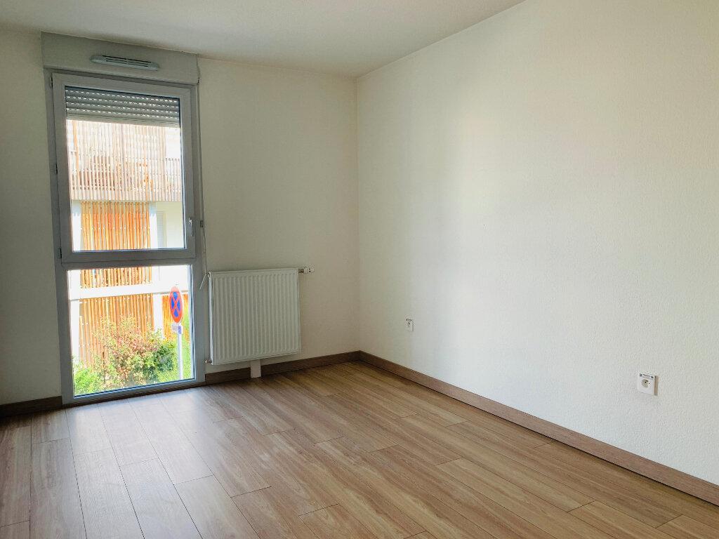 Appartement à louer 3 66.8m2 à Tournefeuille vignette-3