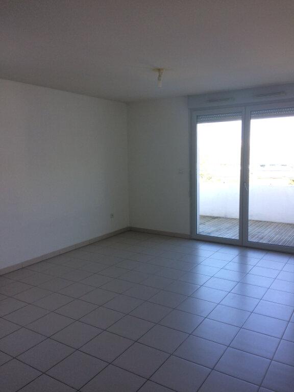 Appartement à louer 3 63.2m2 à Toulouse vignette-1