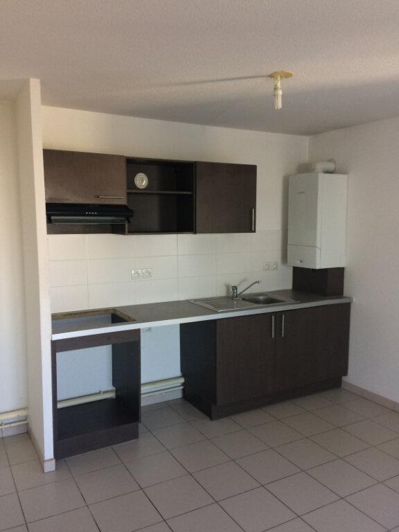 Appartement à louer 3 63.2m2 à Toulouse vignette-2