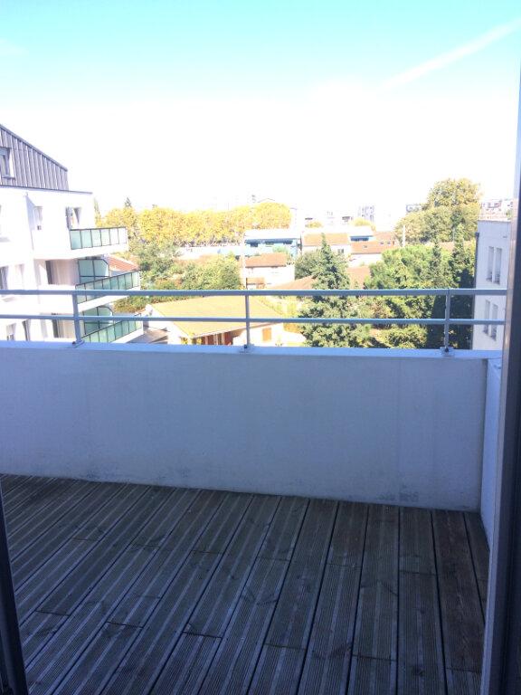Appartement à louer 3 63.2m2 à Toulouse vignette-5