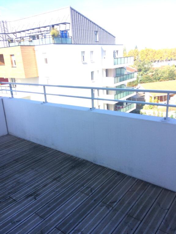 Appartement à louer 3 63.2m2 à Toulouse vignette-6