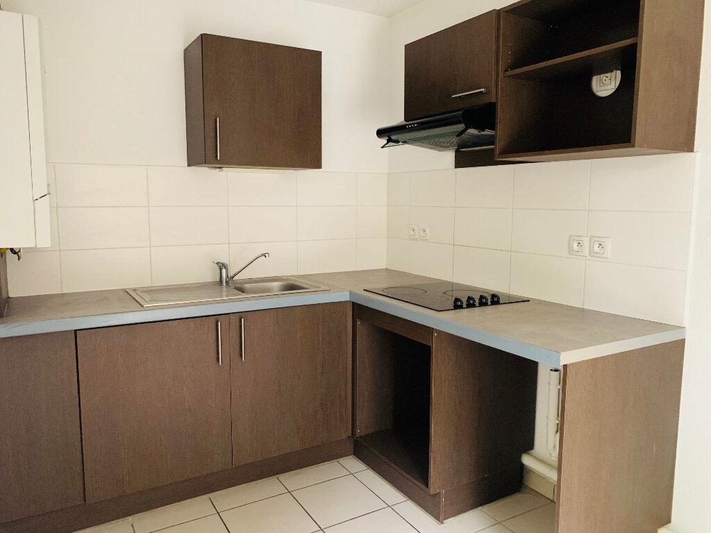 Appartement à louer 3 61.7m2 à Toulouse vignette-1