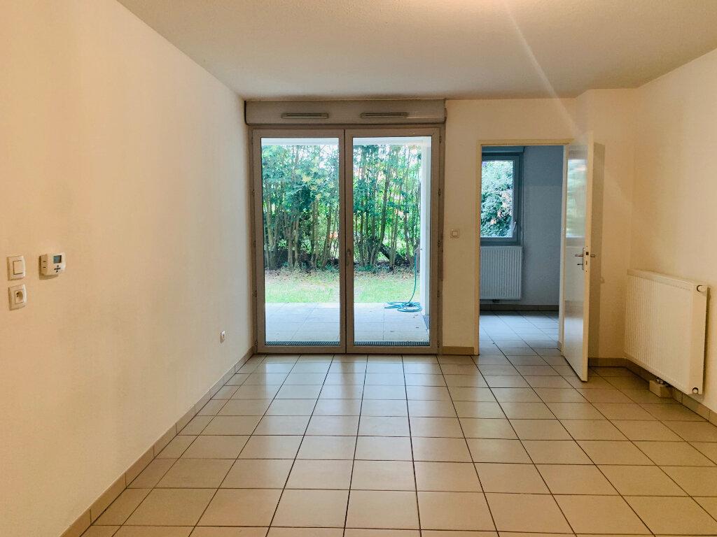 Appartement à louer 3 61.7m2 à Toulouse vignette-2