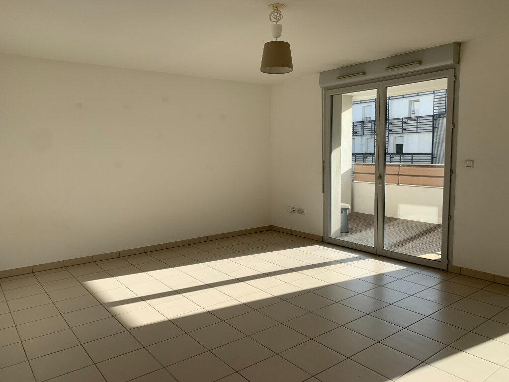 Appartement à louer 3 68.9m2 à Toulouse vignette-1