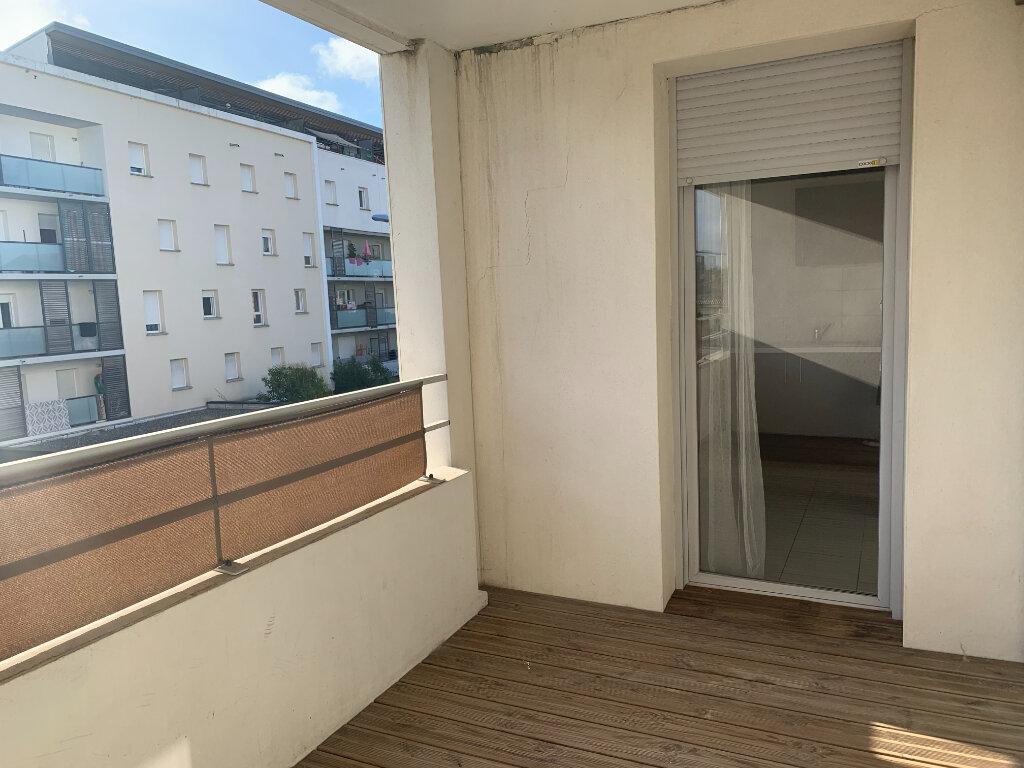 Appartement à louer 3 68.9m2 à Toulouse vignette-7