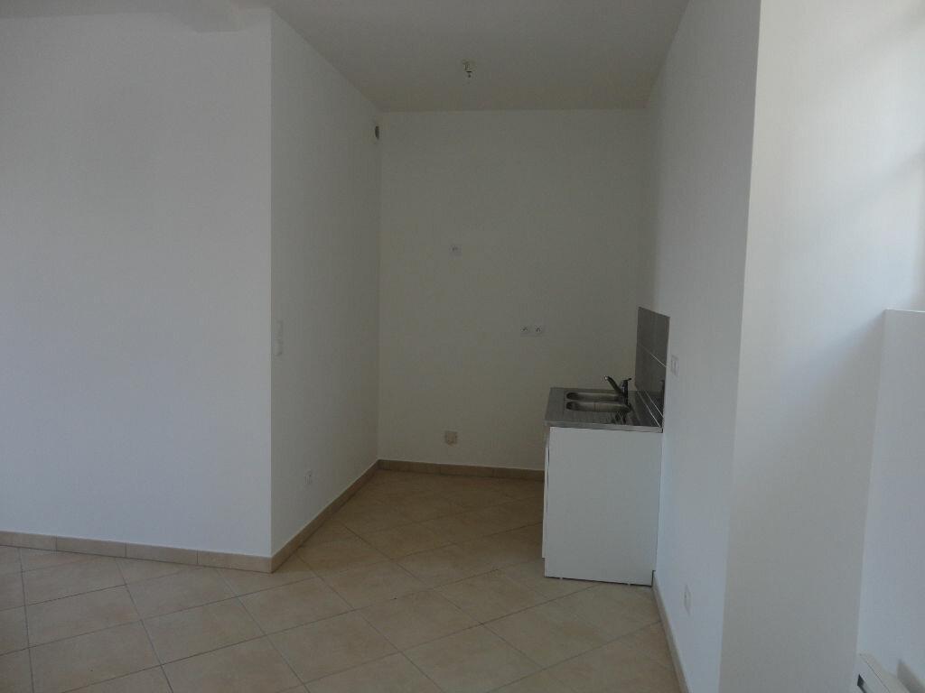 Maison à louer 3 66.58m2 à Bernay-Vilbert vignette-3