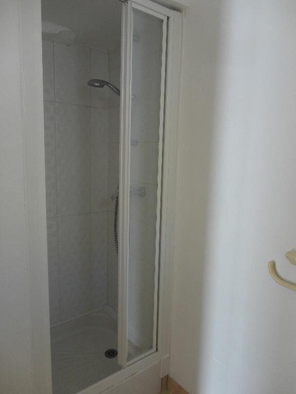 Appartement à louer 2 29.4m2 à Fontenay-Trésigny vignette-7