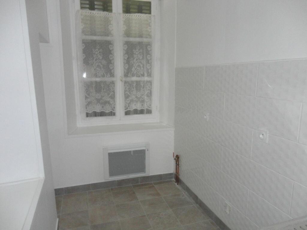 Appartement à louer 2 29.4m2 à Fontenay-Trésigny vignette-8