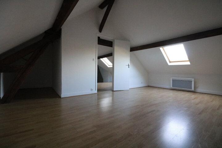 Appartement à louer 2 60m2 à Rozay-en-Brie vignette-2