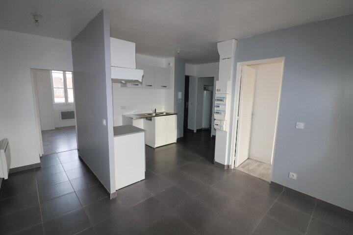 Appartement à louer 3 53m2 à Rozay-en-Brie vignette-1