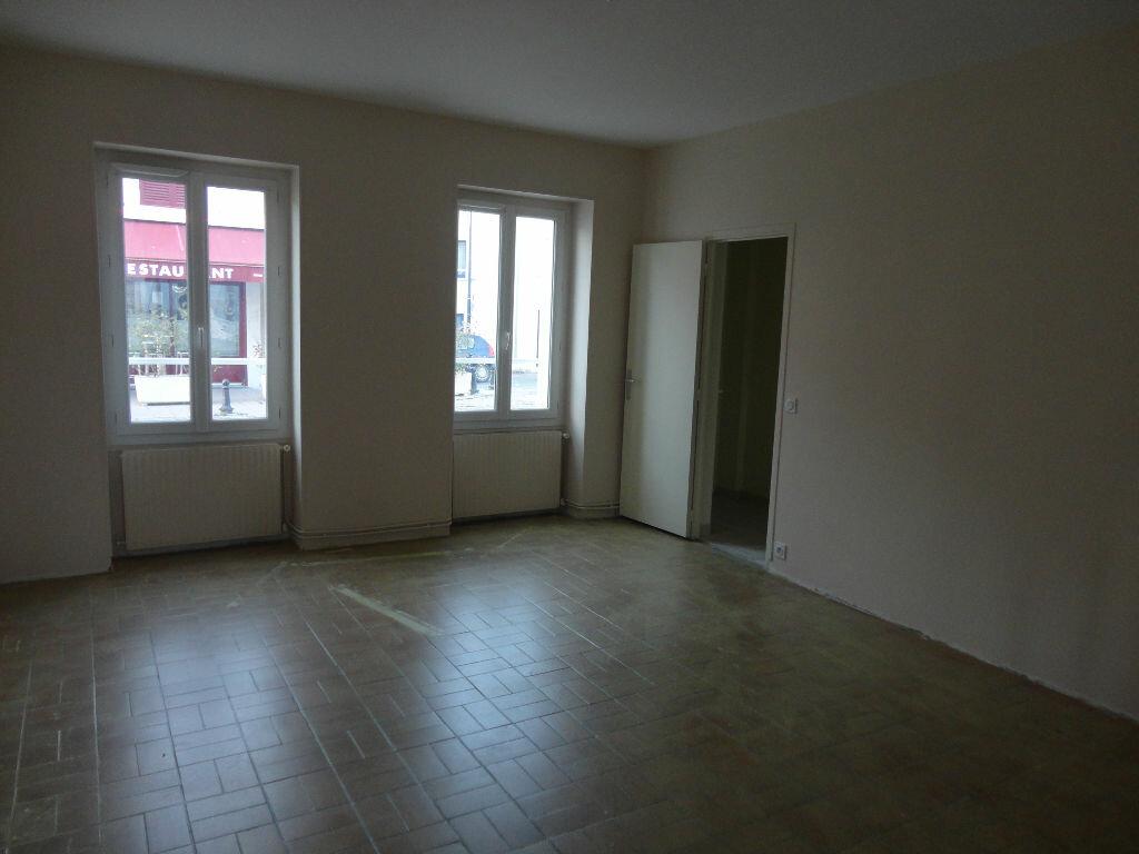 Maison à louer 6 109m2 à Fontenay-Trésigny vignette-7