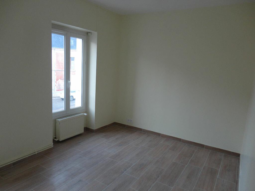 Maison à louer 6 109m2 à Fontenay-Trésigny vignette-11