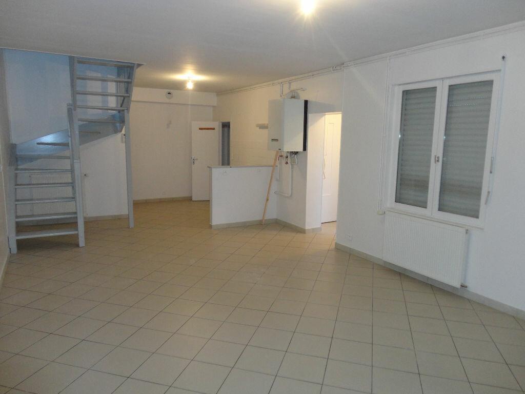 Appartement à louer 3 63m2 à Fontenay-Trésigny vignette-1