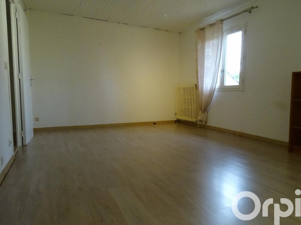 Maison à vendre 8 240m2 à Jouy-le-Châtel vignette-9