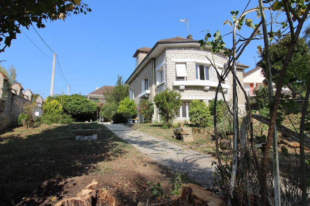 Maison à louer 6 97m2 à Rozay-en-Brie vignette-1