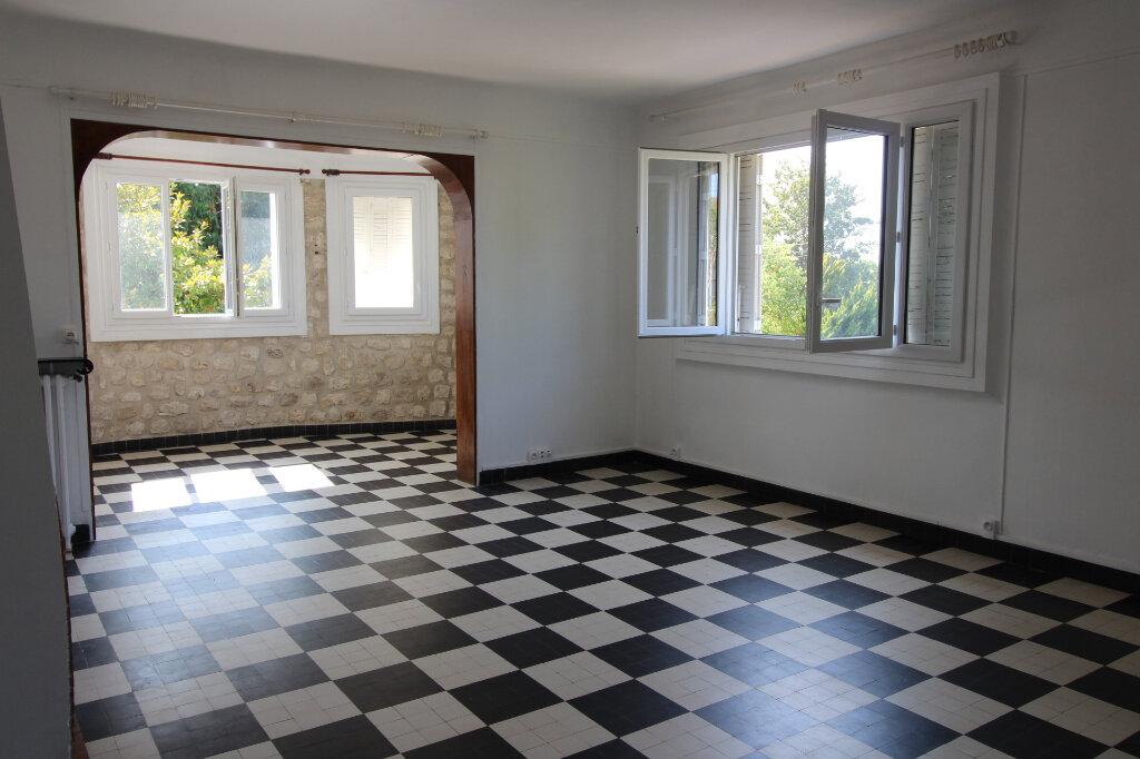 Maison à louer 6 97m2 à Rozay-en-Brie vignette-2