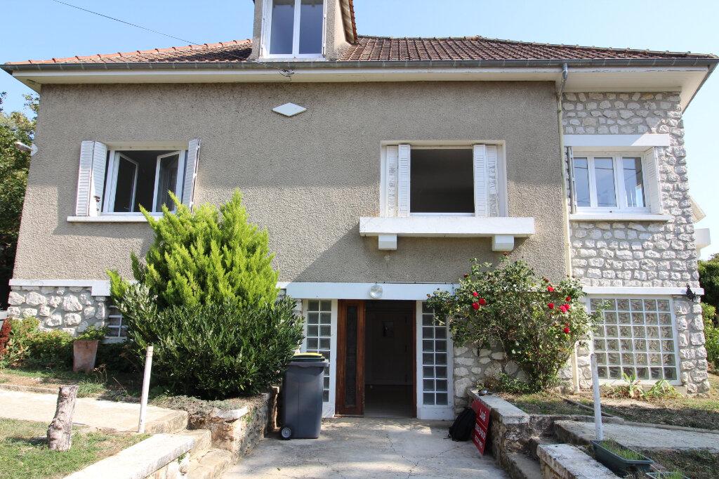 Maison à louer 6 97m2 à Rozay-en-Brie vignette-14