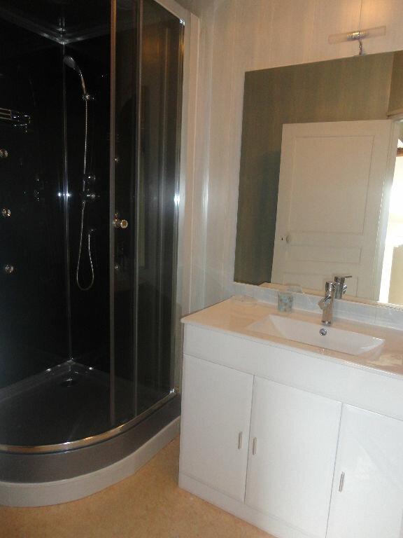 Appartement à louer 2 32m2 à Rozay-en-Brie vignette-4