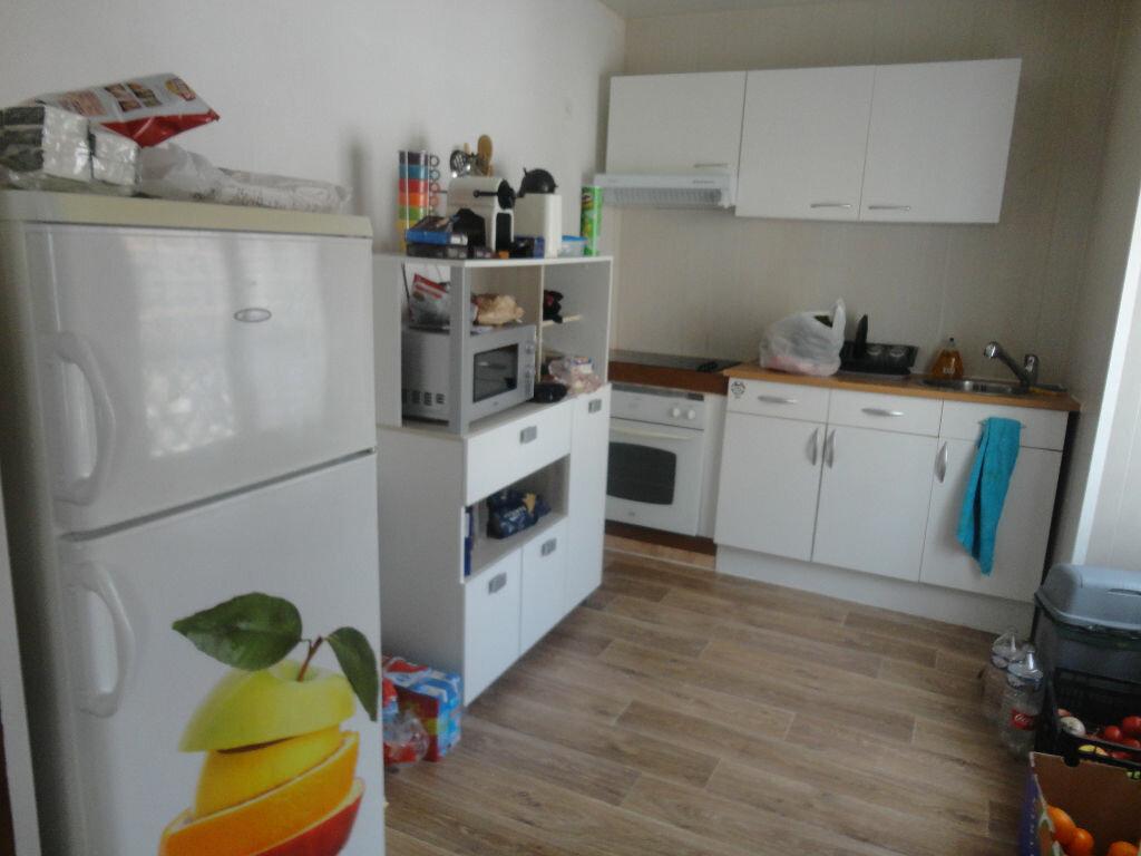Appartement à louer 2 32m2 à Rozay-en-Brie vignette-5
