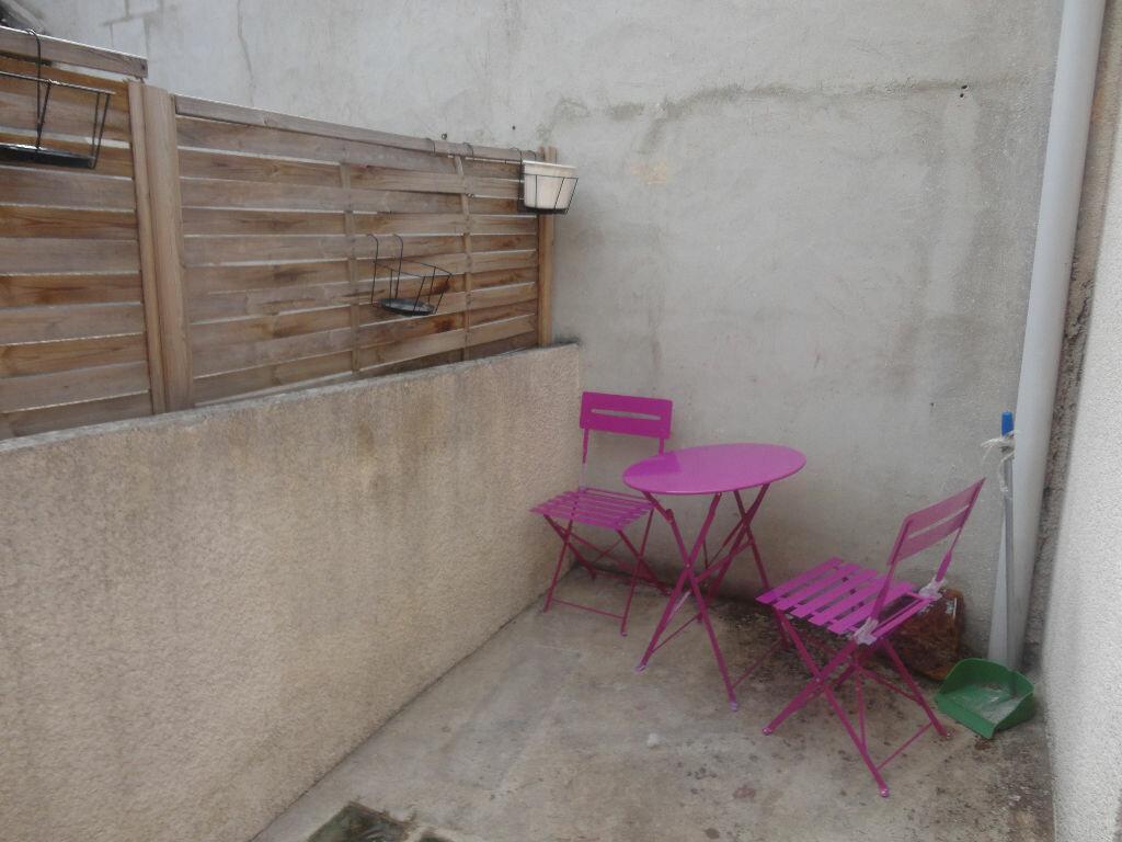Appartement à louer 2 32m2 à Rozay-en-Brie vignette-6